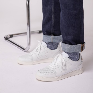 WHITE SNEAKERS IN RECYCLED POLYESTER LEATHER